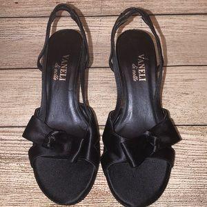 Vaneli di Noite Size 6 1/2 heels